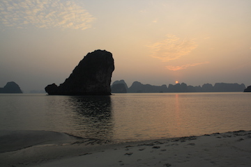 Picture of a Ha Long Bay sunset